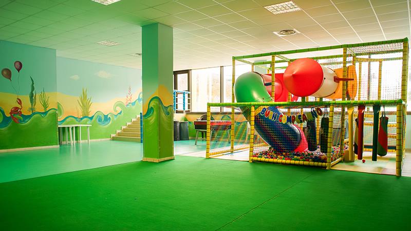 Sala Giochi Bimbi : Giocolandia parco giochi al coperto giochi sala feste private